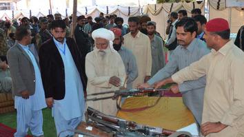 بلوچستان میں سینکڑوں عسکریت پسند ہتھیار ڈالنے کو تیار