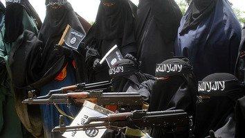 منڈلاتی ہوئی شکست، داعش نے عورتوں کو لڑنے کے لیے بلا لیا