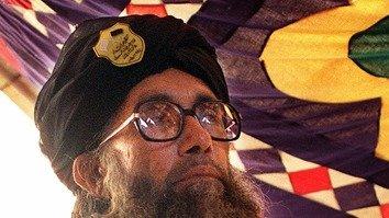 سابق عسکریت پسند رہنما صوفی محمّد ٹی ٹی پی پر برس پڑے، تشدّد ترک کر دیا