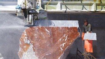 تصاویر میں: مہمند ایجنسی میں سنگِ مرمر کی کان کنی