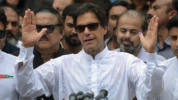 پاکستانیانو او افغانانو د اړیکو د پراختیا په هکله د عمران خان د نظر هرکلی وکړ