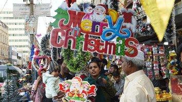 تصاویر میں: کرسمس کے لیے پاکستان کی تیاریاں