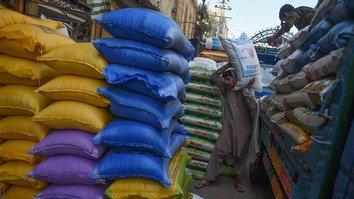 په بلوچستان کې د ایران قونسلګرۍ خدمات معطل کړل، چې په سوداګرانو کې يې غصه رامنځته کړه