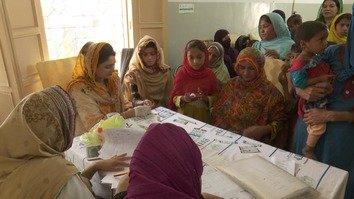 سندھ میں ایچ آئی وی پھوٹ پڑنے پر غیر مستند ڈاکٹروں کے خلاف کریک ڈاؤن