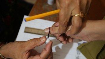 کے پی اسمبلی کے تاریخی انتخابات کے لیے خواتین امیدوار، ووٹرز باہر نکلنے کے لیے تیار