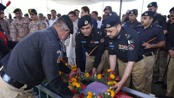 کراچی پولیس نے افسران کو ہدف بنانے والے عسکریت پسندوں پر نظریں جما لیں