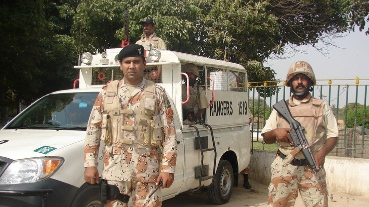Rangers stand guard outside the Sindh High Court in Karachi August 12. [Amna Nasir Jamal]