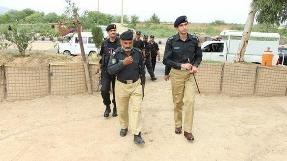 Senior Superintendent of Police for Peshawar Abbas Marwat (left) inspects a remote police post in Arbab Tapu Matani September 1. Police have orders to stay alert for targeted killings and terrorist attacks. [Courtesy of Peshawar Police]