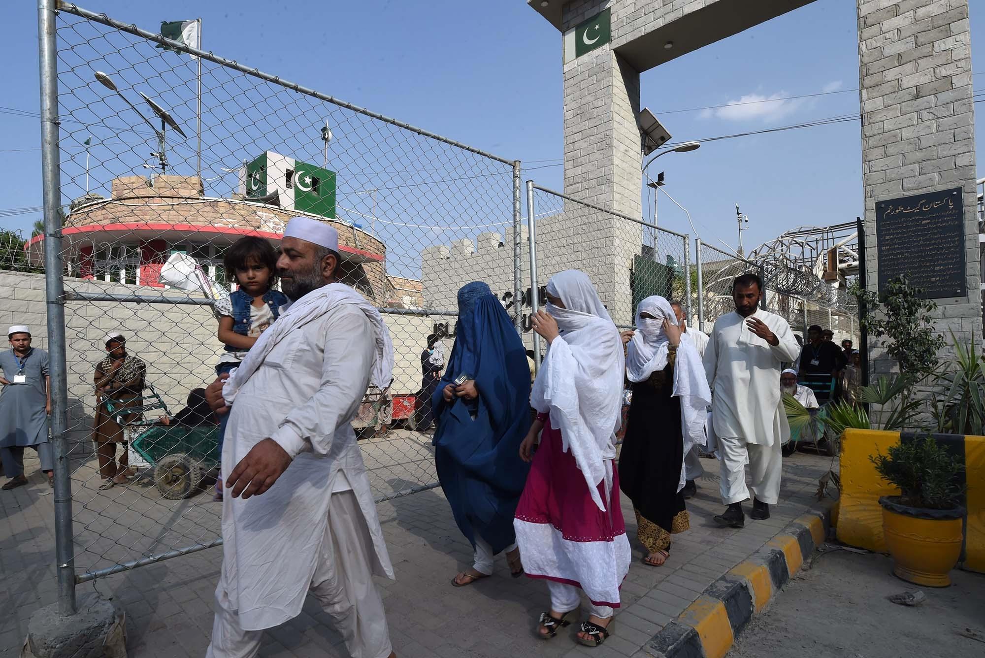 Pakistan, Afghanistan must enhance border security: report