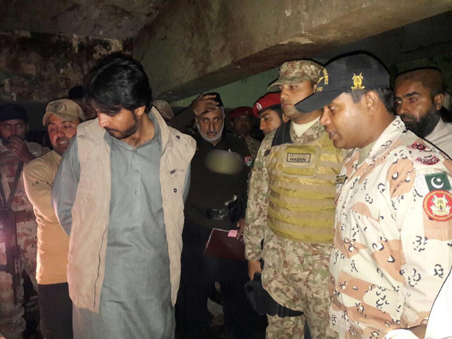پاکستان په بلوچستان کې د صوفي زيارت د ځانمرګي برید په کلکه غندنه کوي