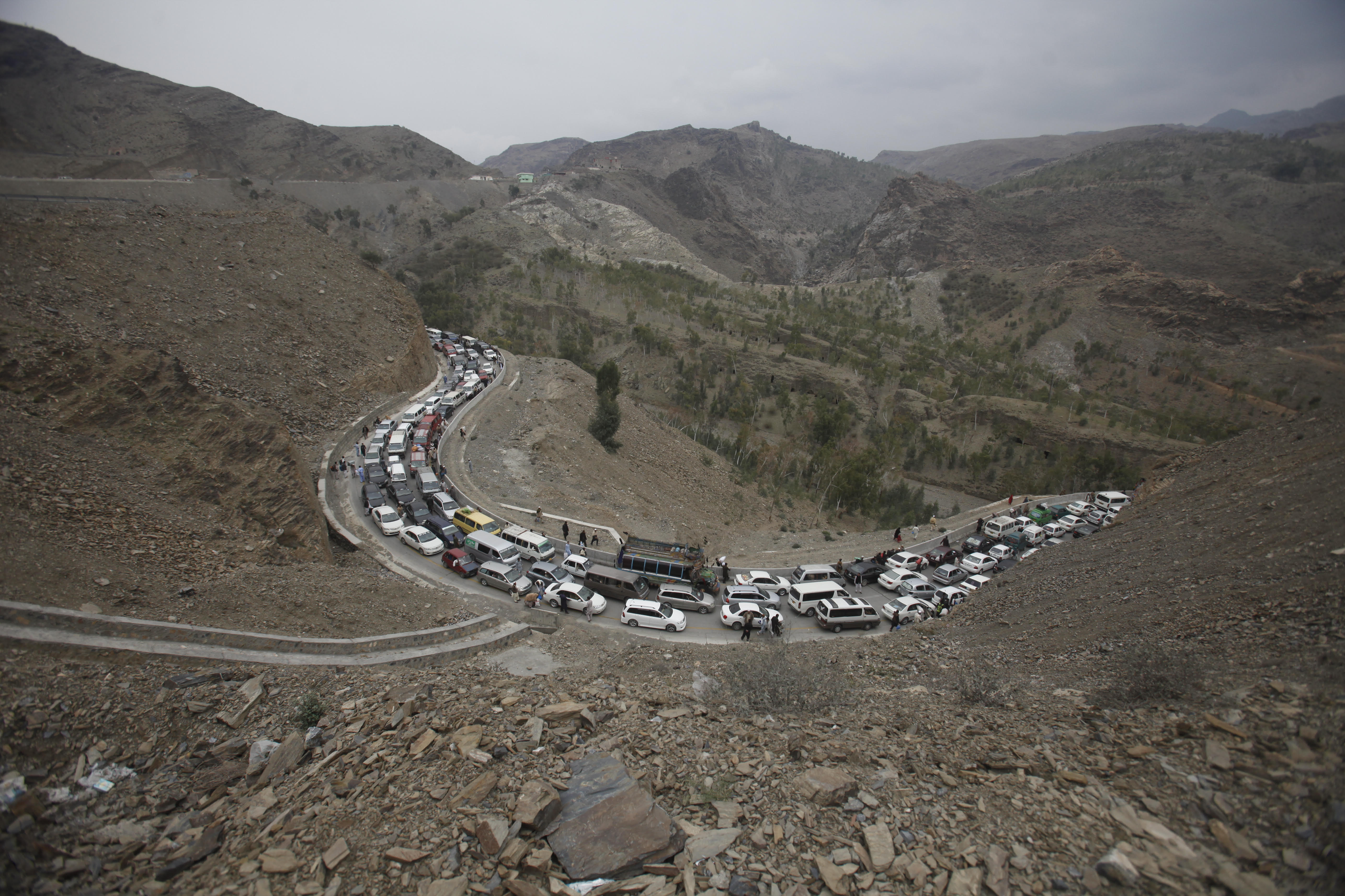 Re-opening of Afghan-Pakistani border welcomed by officials, citizens