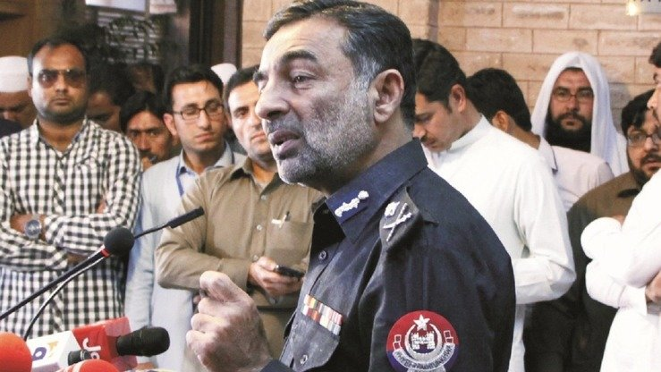 New Khyber Pakhtunkhwa Inspector General of Police Salahuddin Khan Mehsud talks to media in Peshawar April 3. He vowed to show zero tolerance for corruption within the police force and to step up the fight against terrorism. [Javed Khan]