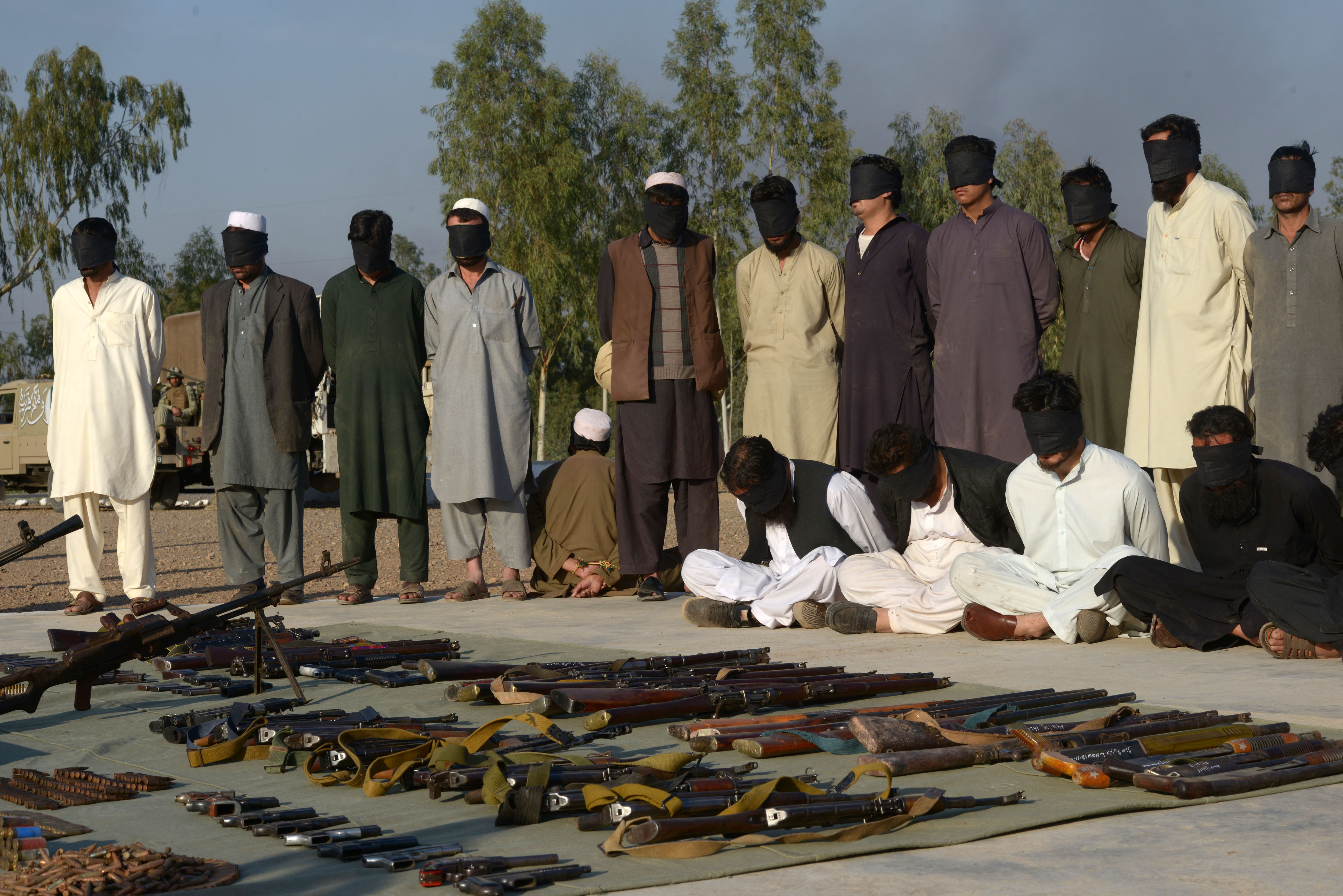 Pakistan cracks down on 'high-value' al-Qaeda, ISIL commanders
