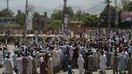 پاکستانيان د روژې په مياشت کې د بجلۍ د لوډ شيډنګ خلاف احتجاج کوي
