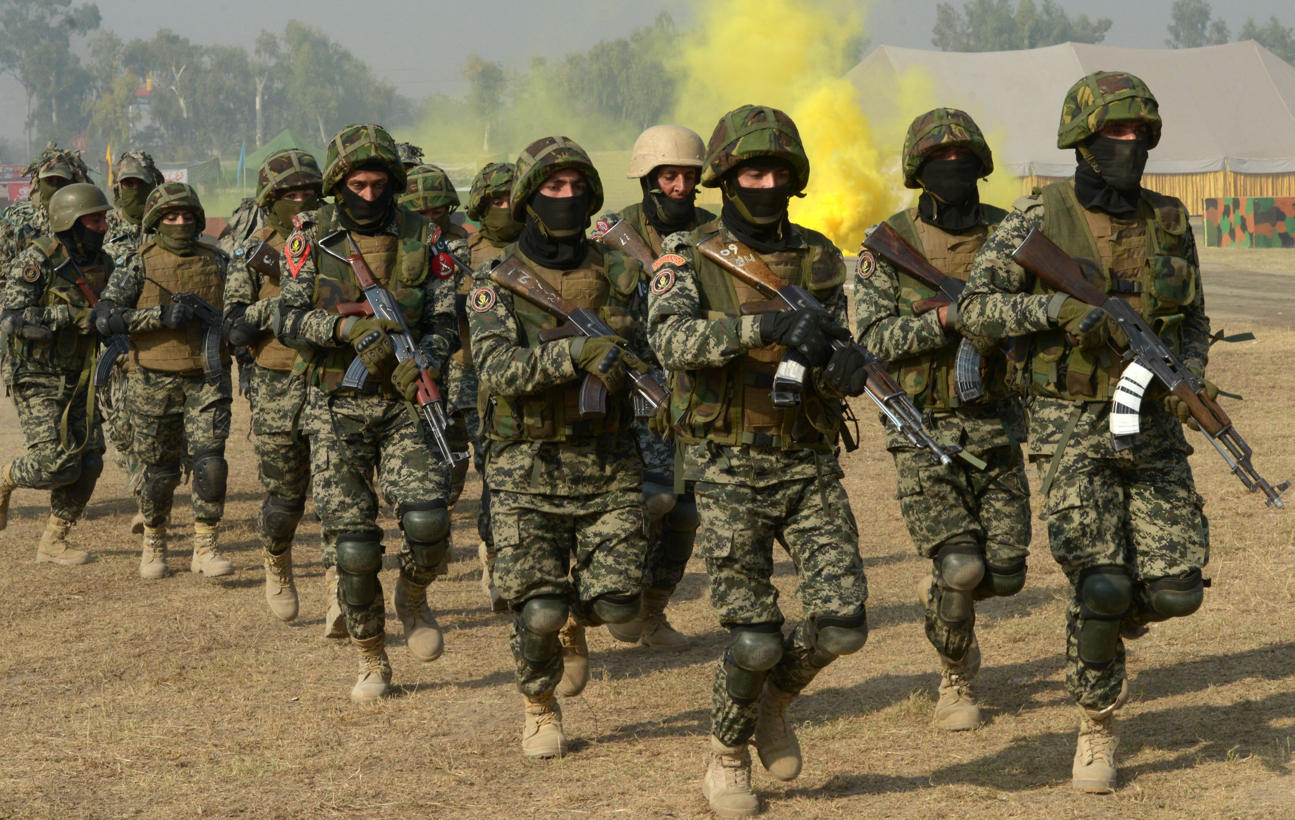 Pakistan shifts military strategy to fight ISIS, Taliban