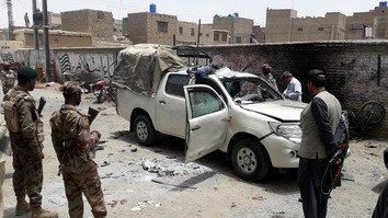 په قلعه عبدالله کې په چاودنه کې ډسټرکټ پولیس افسر او ګارډ ووژل شول، 11 نور ټپیان شول