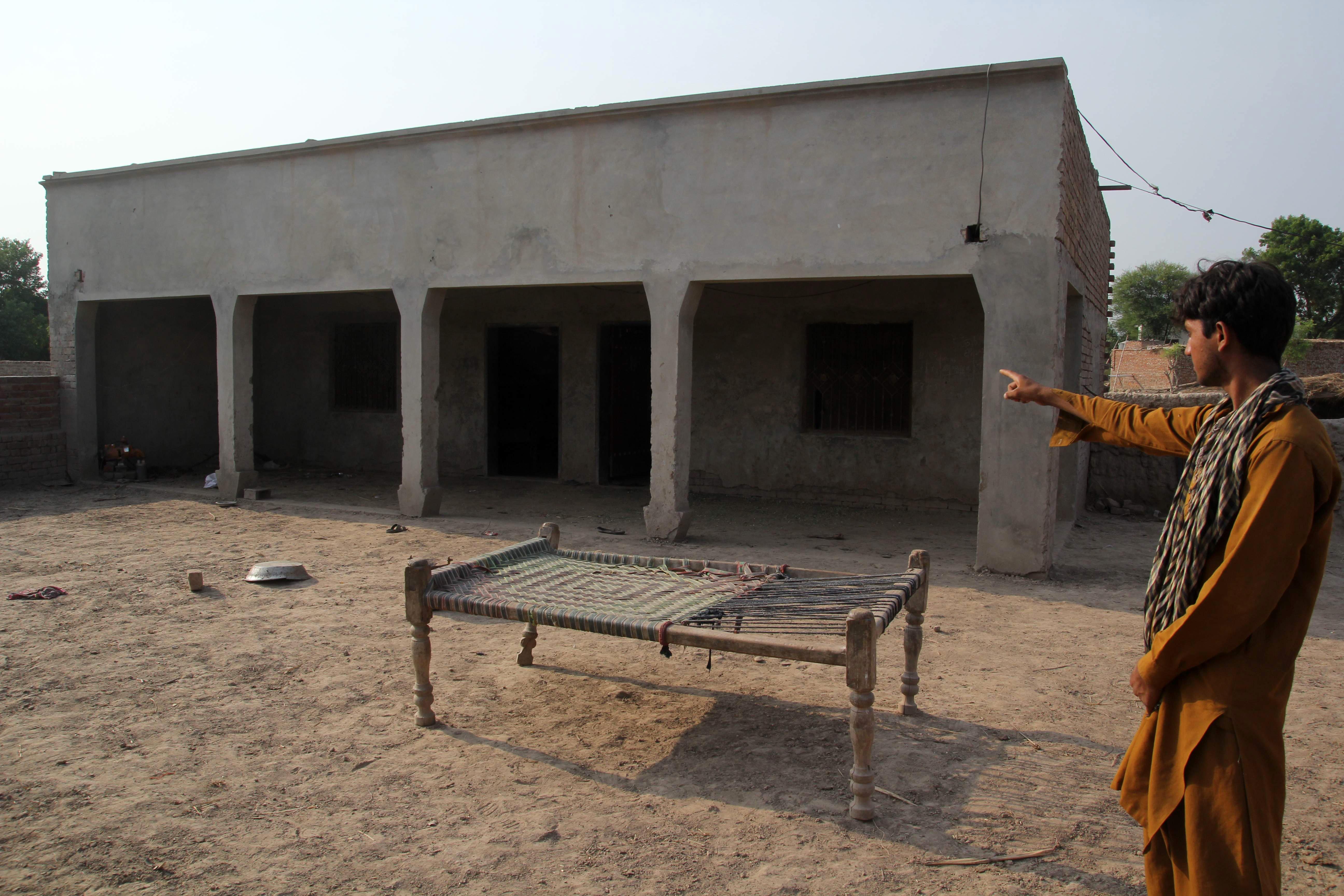 په پاکستان کې د 'انتقامي زنا' په کيس کې کسان ونیول شول