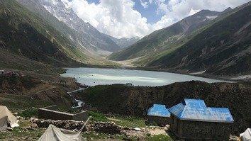 جھیل سیف الملوک سیّاحوں کی بڑی تعداد کے لیے پرکشش