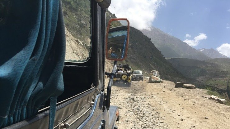 Jeeps travel to Lake Saiful Muluk through bumpy and rough roads in Naran Valley of Khyber Pakhtunkhwa. [Qasim Yousafzai]