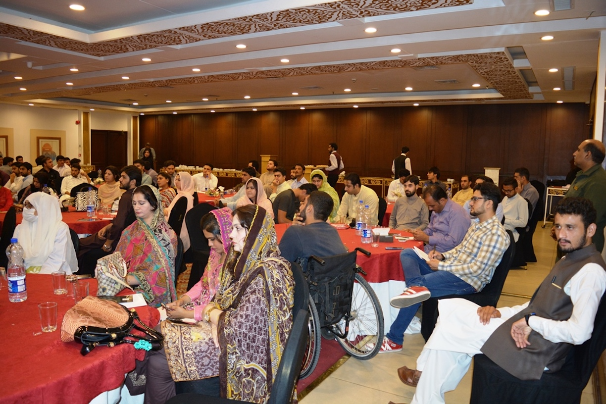 About 300 youth, policy-makers and civil society members participate in the dialogue in Pesahwar September 29. [Danish Yousafzai]