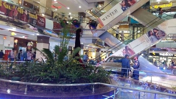 Shoppers throng Centaurus Mall in Islamabad November 1. [Javed Mahmood]