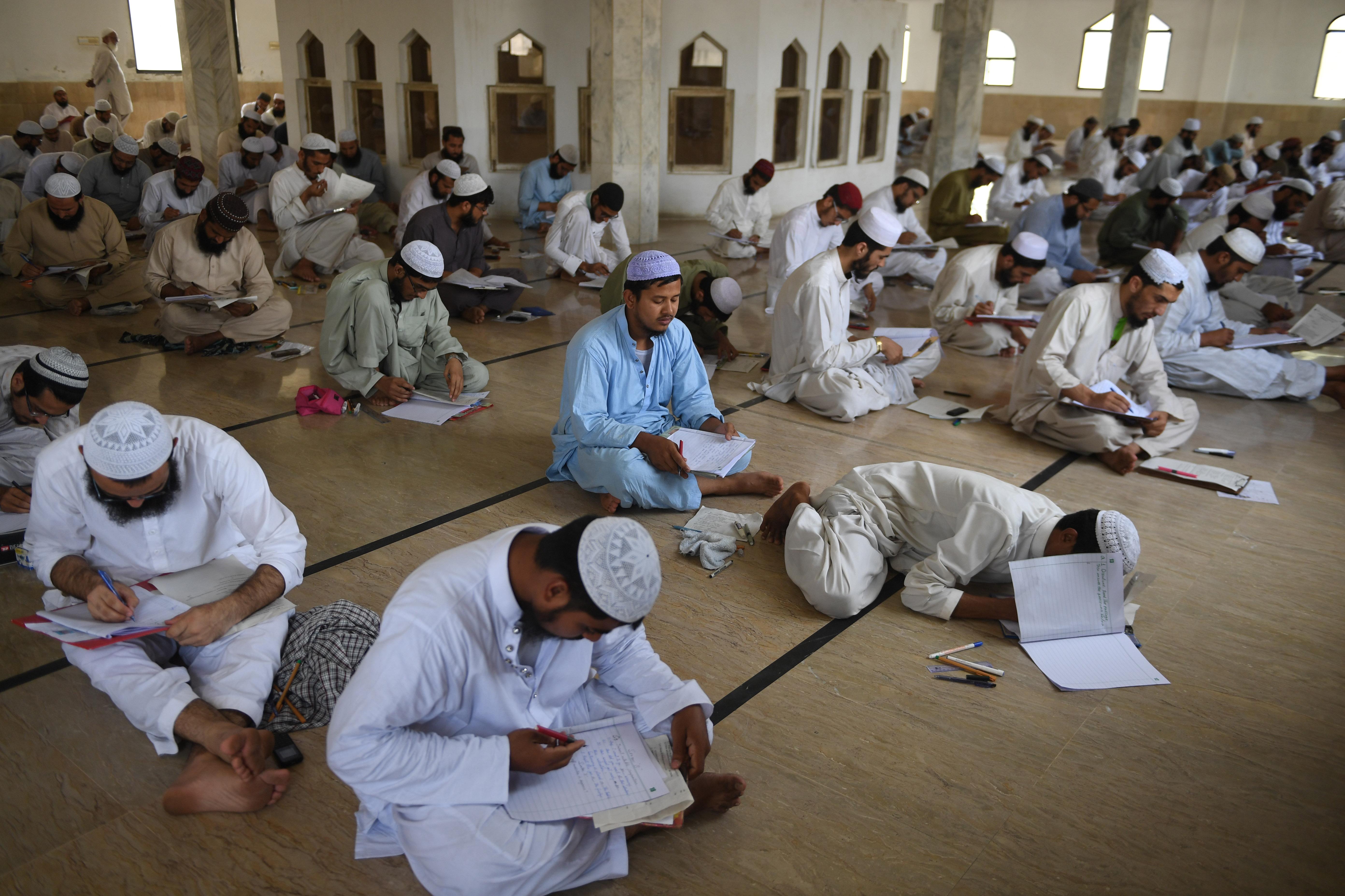 Khyber Pakhtunkhwa government begins registering seminaries