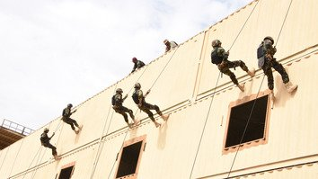 Pakistani and Saudi soldiers rappel down a building during the Al-Shebab-2 special forces counter-terrorism training exercises in Riyadh in a photo released December 3. [ISPR]