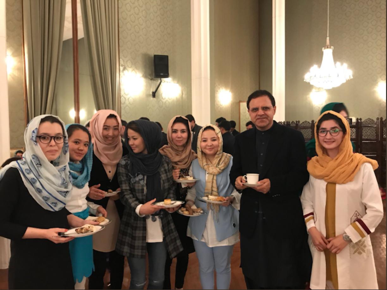اسکالرشپ پروگراموں کا مقصد حاصل کرنے والوں کو 'پاکستان کا افغانستان کے لیے سفیر' بنانا ہے