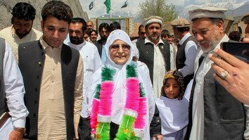 Ali Begum, a woman from Parachinar, Kurram Agency, April 7 kicks off her political campaign for a seat in Pakistan's National Assembly. [Ashfaq Yusufzai]