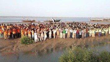 Mangrove planting campaigns shore up Pakistan's coastal ecosystems