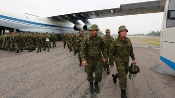 A contingent of Russian ground forces arrives in Pakistan for the two nations' first joint exercise in September 2016. [ISPR]