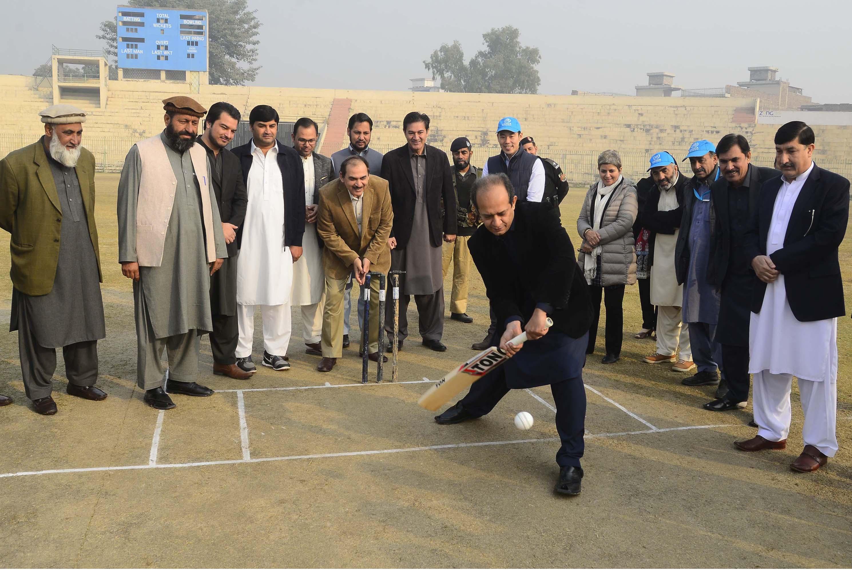 نئی پشاور کرکٹ لیگ سے افغان مہاجرین کی حوصلہ افزائی ہوئی ہے