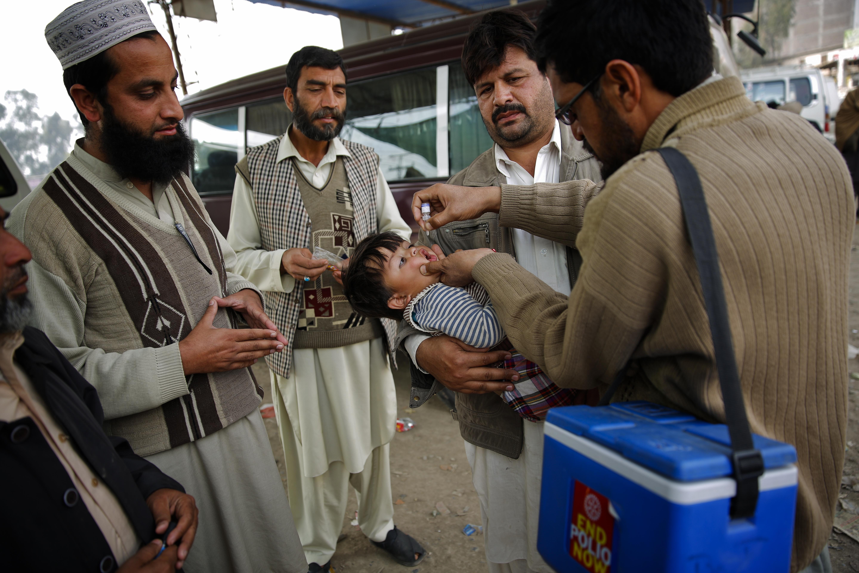 عسکریت پسند، مذہبی انتہاپسند پاکستان اور افغانستان میں پولیو کے خاتمے میں رکاوٹ ہیں