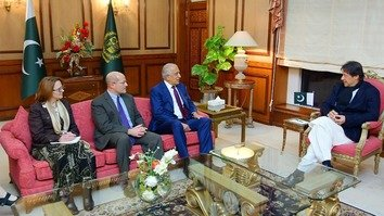 US envoy Khalilzad bolsters Afghan peace process with Islamabad visit