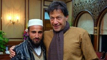 Khan honours polio workers who braved waist-deep snow in Swat Valley