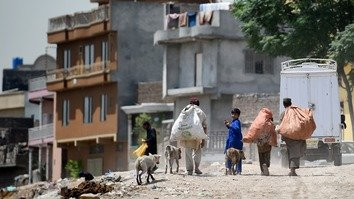 Pakistanis laud new government programme seeking to eradicate poverty