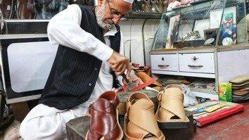 In photos: Peshawari chappal go on sale ahead of Eid ul Fitr