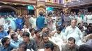 سندھ میں مندر پر حملے کے بعد پاکستانی مسلمان ہندوؤں کے ساتھ کھڑے ہیں