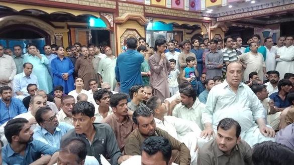 په سیند کې په مندر باندې د برید وروسته پاکستاني مسلمانان د هندوانو سره ودریږي