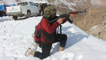 KP Police conduct counter-terrorism training in Chitral's snow-clad mountains