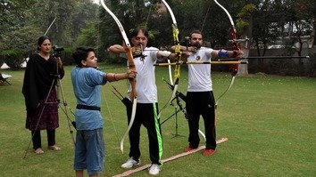 Sportswoman defies social barriers to promote archery in Peshawar