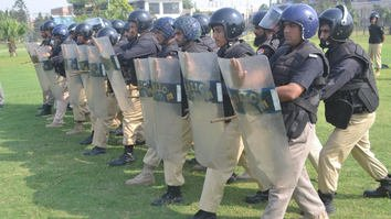 KP Police bolster anti-riot training ahead of planned 'Azadi' protests