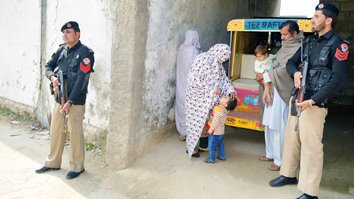 Khyber Pakhtunkhwa tightens security for polio workers after deadly attack