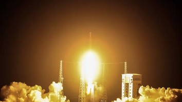 Iran makes dubious claims of missile advancement as satellite launch fails