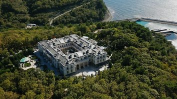 Documentary spotlights Putin's billion-dollar Black Sea 'bribery' palace